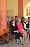Pani Dyrektor Beata Zalewska, Pani Jolanta Majtczak Przewodnicząca Rady Miejskiej w Bolkowie, Pani Justyna Wojciechowska przedstawicielka Rady Rodziców, Grono Pedagogiczne i stażyści z projektu Erasmus +